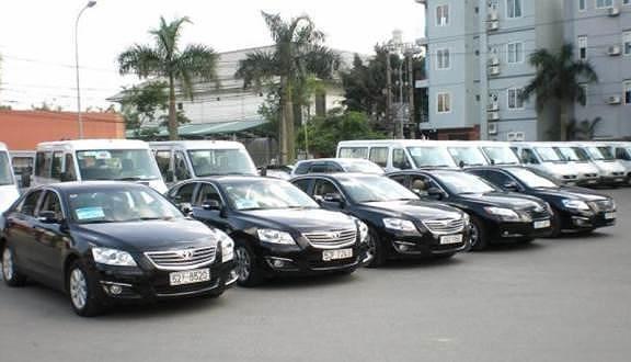 Thuê xe ô tô tự lái ngày lễ, thuê càng sớm giá càng rẻ | Báo dân sinh