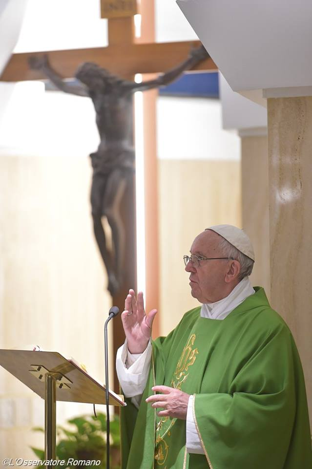 Đức Thánh Cha: Thiên Chúa vẫn phải khóc vì những tai ương và chiến tranh vì đồng tiền của ngày hôm nay
