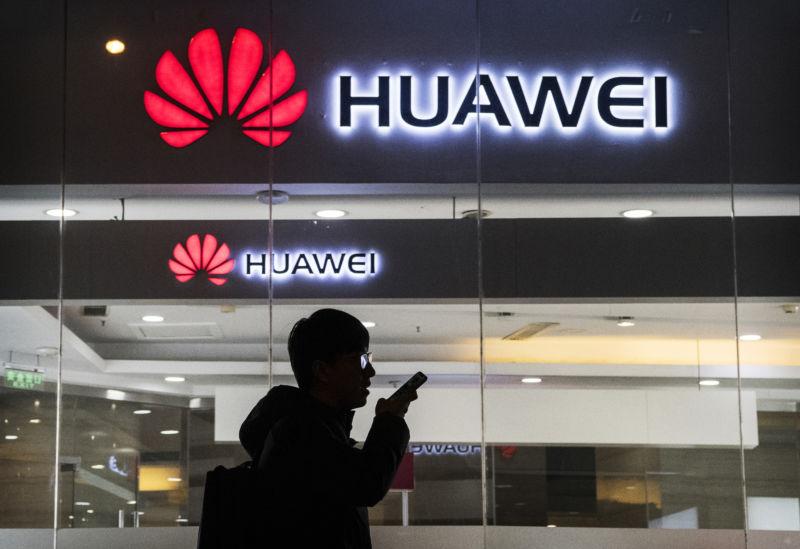Huawei bracing for a 40% to 60% drop in international smartphone shipments