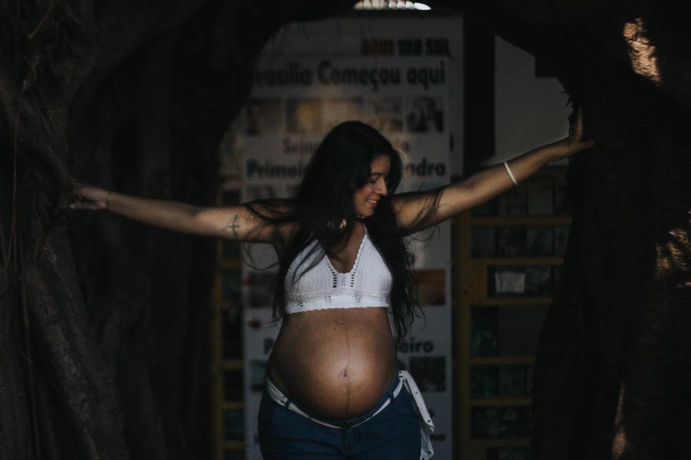 身障孕婦的圖像一般人難以想像,但克莉絲想藉由拍攝自己的孕婦照,帶給身障母親們更多力量與自信。