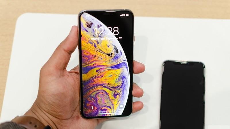 Cách sửa lỗi iPhone XS bị màn hình đen