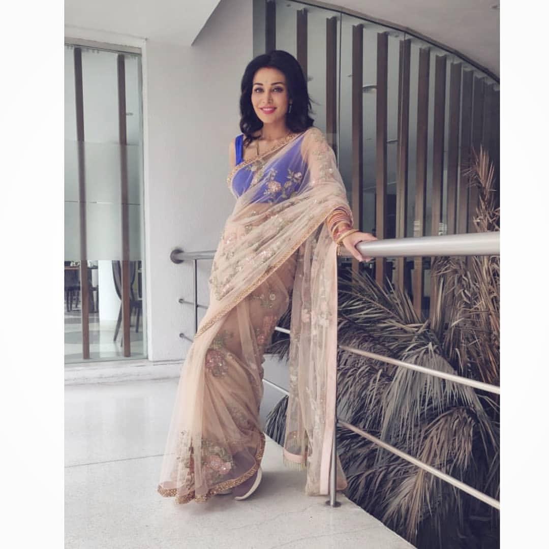 Flora Saini Hot latest photos Navel Queens