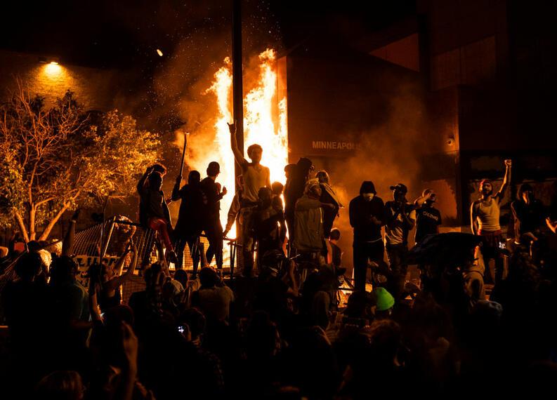 protestas george floyd blacklives matter mayo 28 2020 minneapolis minnesota
