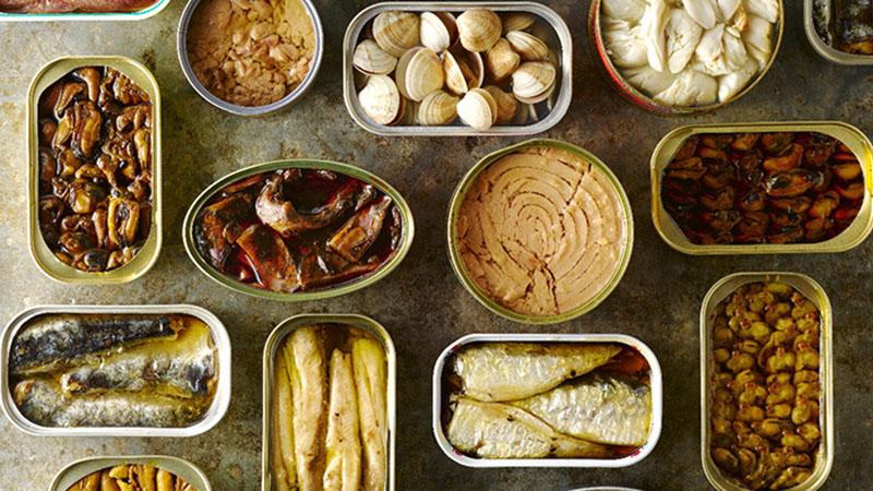 Các thực phẩm đóng hộp thường chứa nhiều chất độc hại