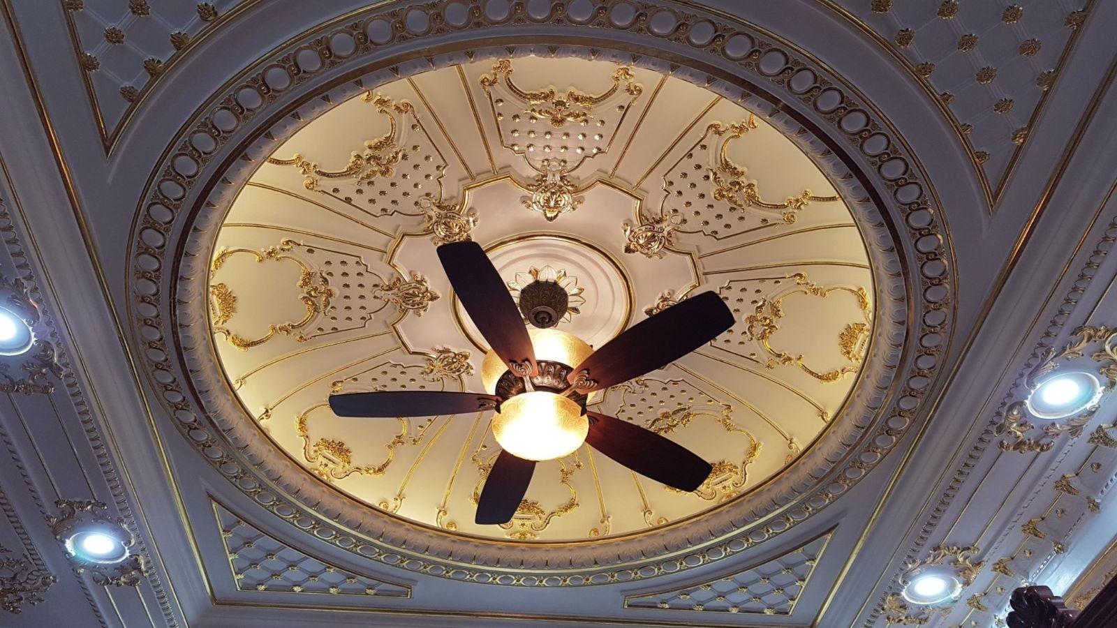 Quạt trần đèn là sản phẩm đa chức năng, vừa có tác dụng làm mát vừa chiếu sáng cho không gian căn phòng
