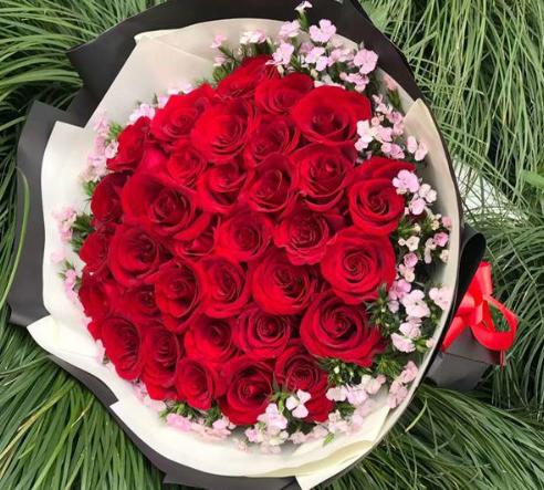 Nên đặt hoa sớm hơn ngày sinh nhật để tránh gặp một số rủi ro