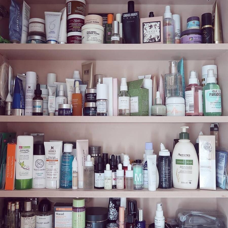 cleansing-oils-for-oily-skin-285927-1583873729535-main.900x0c.jpg