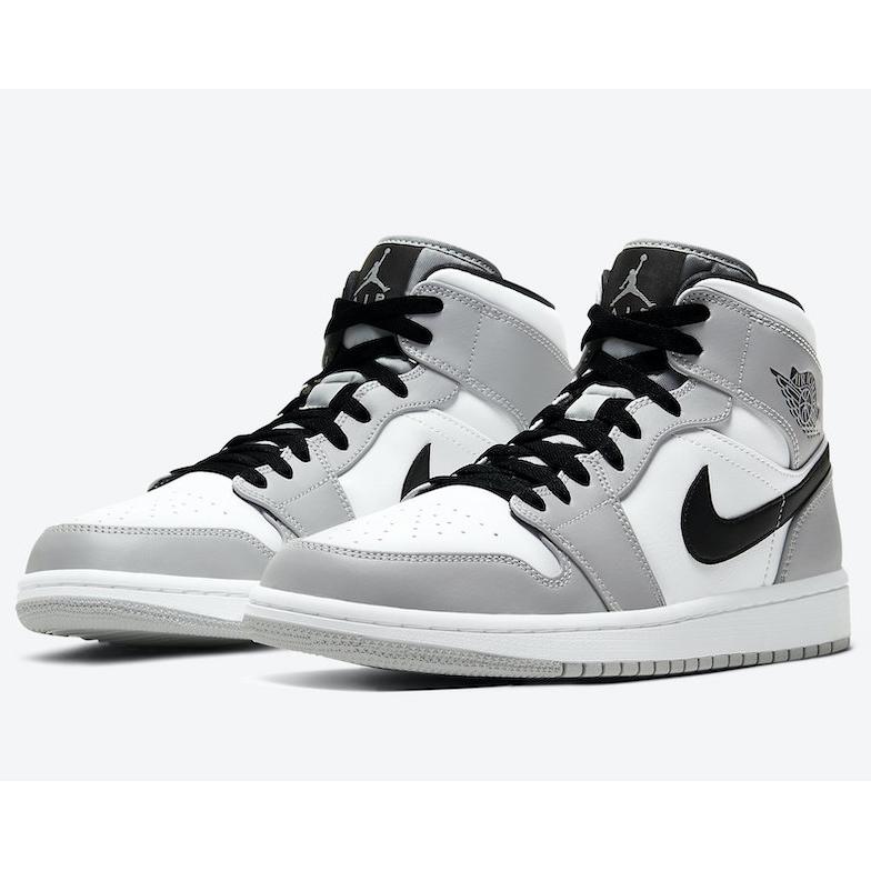 Giày Nike Air Jordan 1 cổ cao trải qua quy trình sản xuất nghiêm ngặt