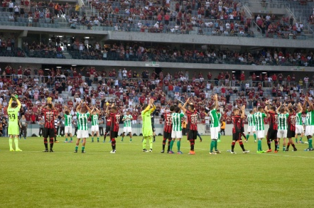 Atlético-PR e Coritiba protestam contra Rede Globo (Cleber Yamaguchi/AGIF)