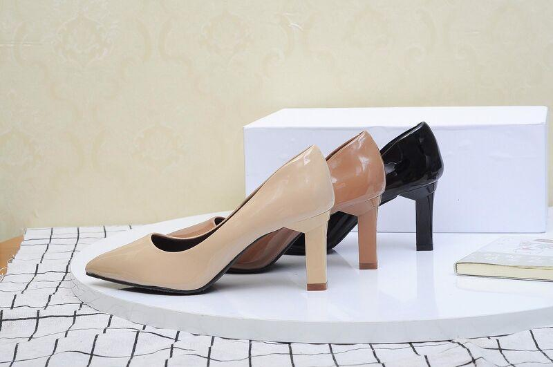 Những khó khăn gặp phải khi nhập giày cao gót?