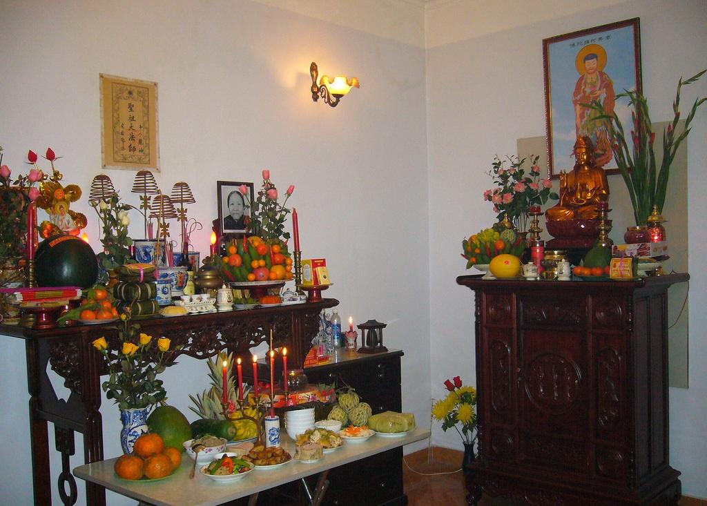Cách chọn bàn thờ gia tiên giúp gia chủ làm ăn tốt
