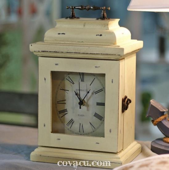 Đơn giản mà lạ mắt với đồng hồ gỗ để bàn kiểu hộp gỗ