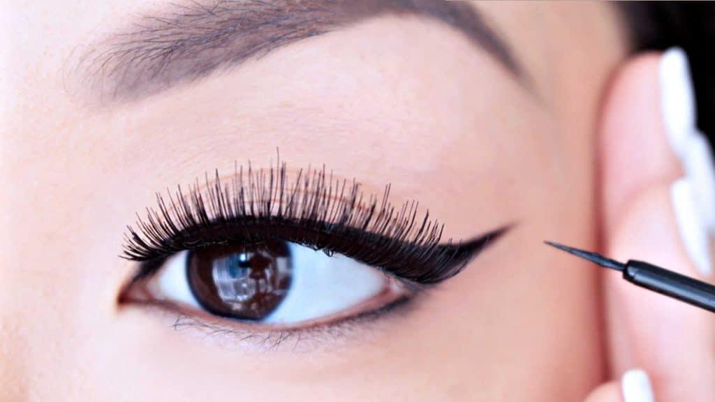 cara menggunakan eyeliner wardah