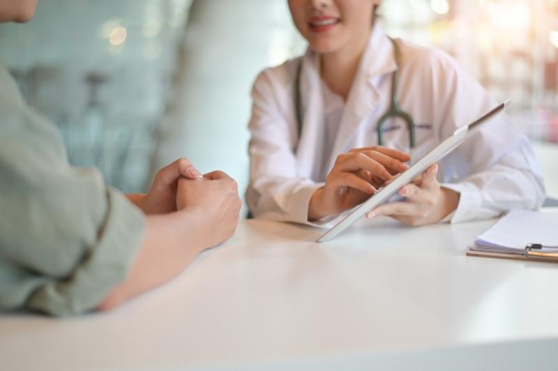 Без развития полноценной коммуникации между врачом и пациентом мы обречены на абсолютный неуспех», – эксперты о псевдонаучных методах лечения онкозаболеваний на форуме «Белые ночи»