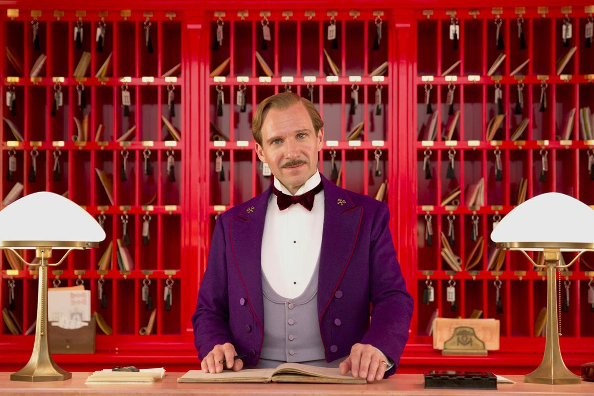 Macintosh HD:Users:kenchatoor:Pictures:ralph-fiennes-in-GRAND-BUDAPEST-HOTEL.jpg