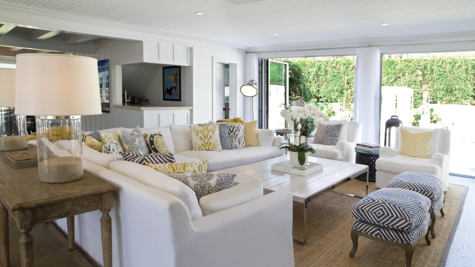 Astonishing Coastal Inspired Living Rooms Hotpads Blog Largest Home Design Picture Inspirations Pitcheantrous