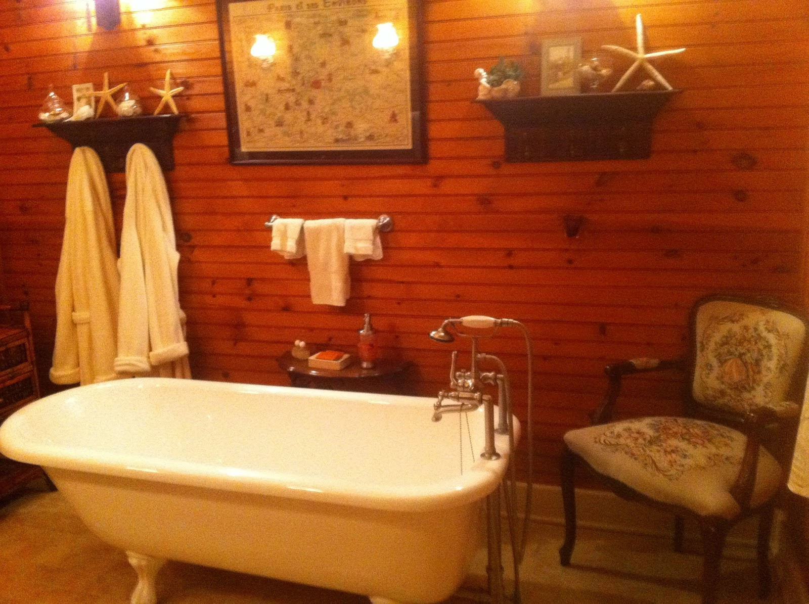 Central_Hotel_Clawfoot_Bathtub.jpg