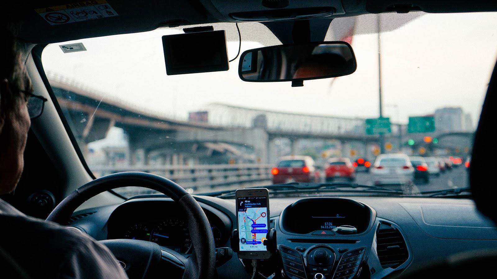 economia compartilhada, Uber, Lyft, 99/Didi e similares