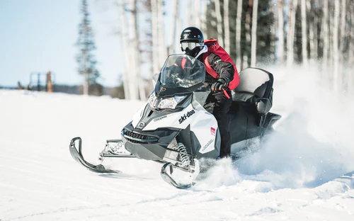 5 Best Places to Snowmobile in Canada