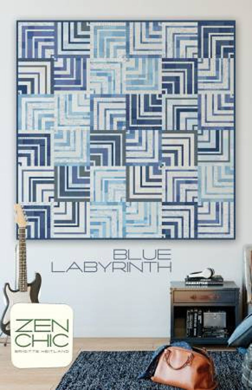 blue labyrinth quilt pattern