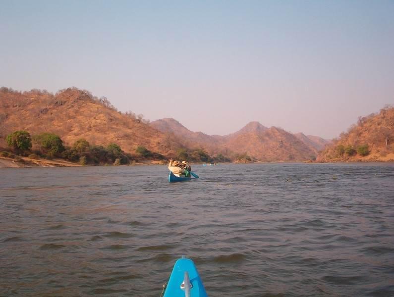 mana-pools-canoe-Mupata.JPG