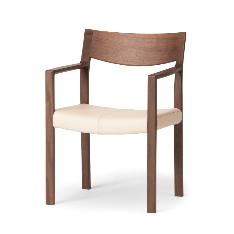 シンプルでオシャレなアームチェアとは?種類やおすすめの木製椅子を紹介!