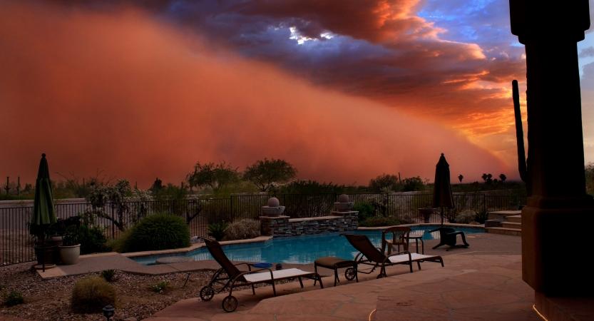 A haboob seen from a residential backyard in Phoenix, Arizona