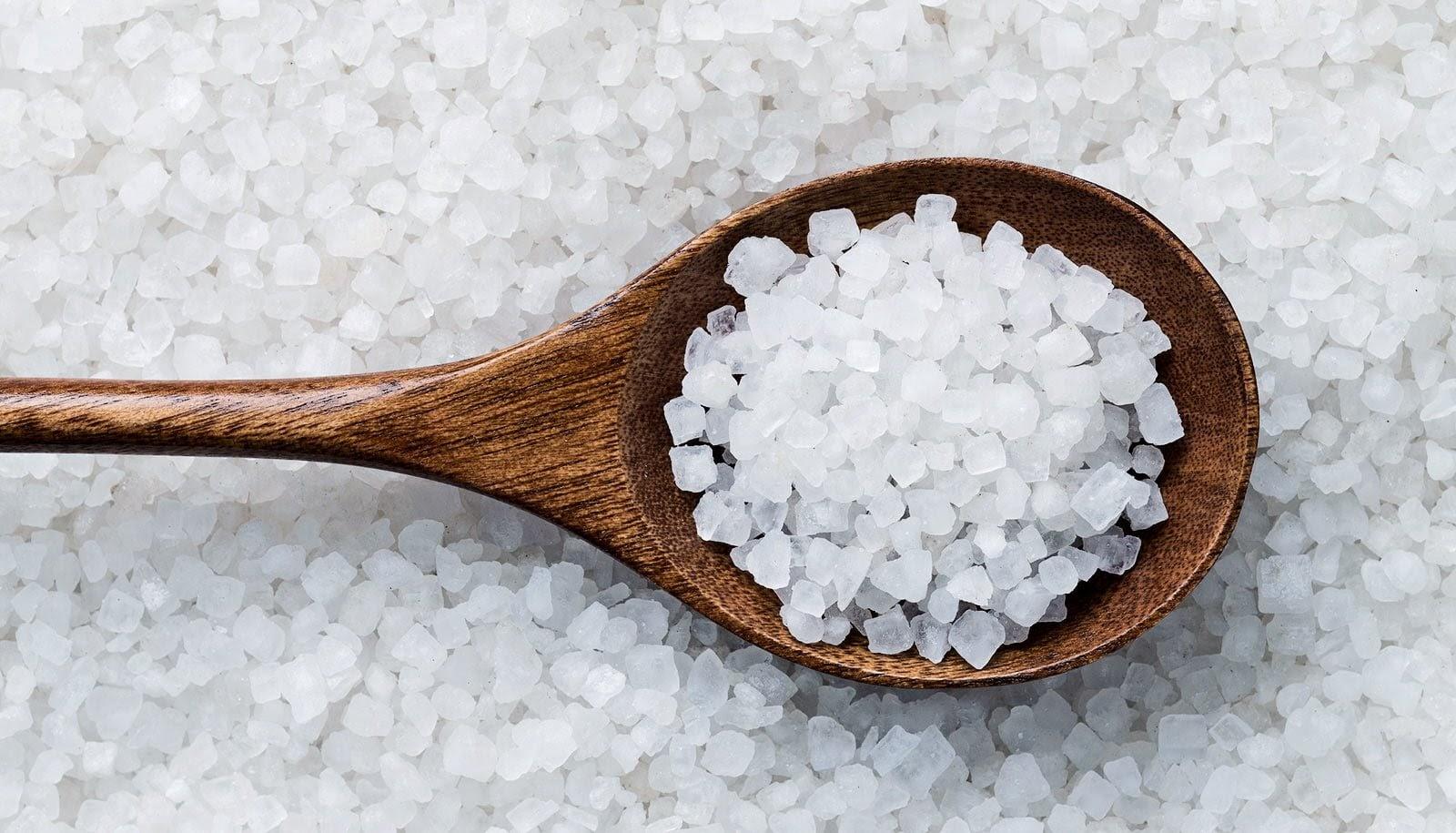 Cách giải vận đen trong làm ăn bằng muối được nhiều người lựa chọn