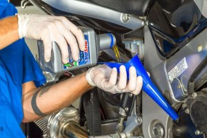 Winterize your Motorcycle -Adding oil Motorcycle