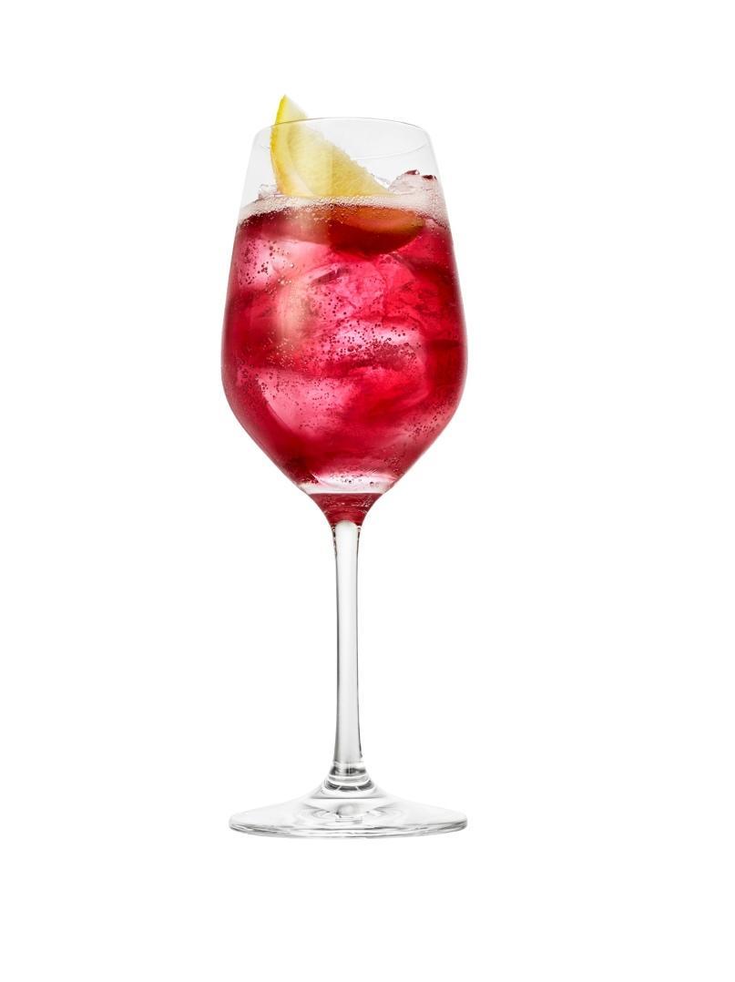Immagine che contiene contenitore, vetro, tavolo, vino  Descrizione generata automaticamente