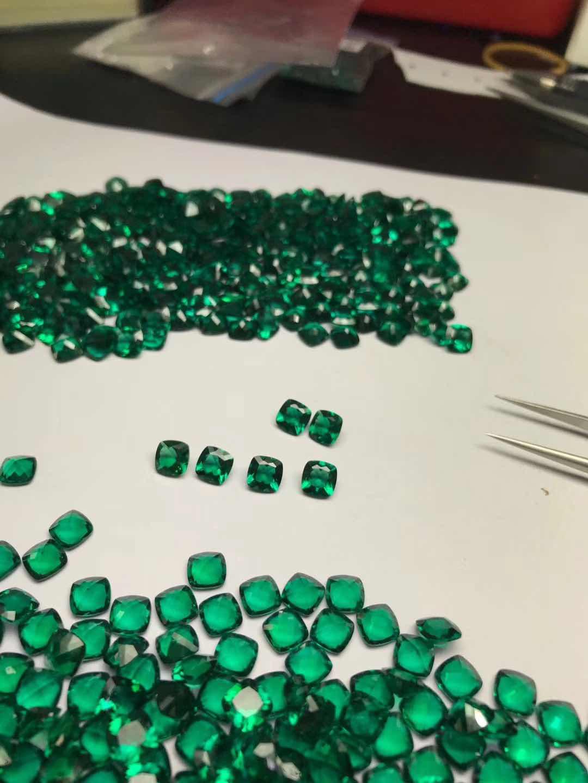 Hydrothermal-Lab-Emerald-Green-gemstones-suppliers