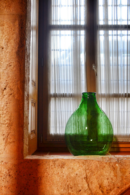 vaze in kilic ali pasa hamam