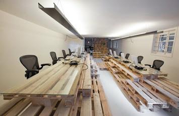 moderna oficina en base a palets