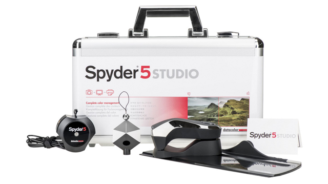 spyder-datacolor-spyder5-spyder5studio-spydercube-color-calibration-management-photography-slrlounge-kishore-sawh-22[1].jpg