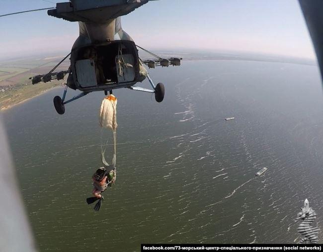 Під час тренувань. Фото зі сторінки у «Фейсбуці» 73-го морського центру ССО