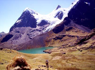 Vista de la montaña de Ausangate de los nevados del Perú