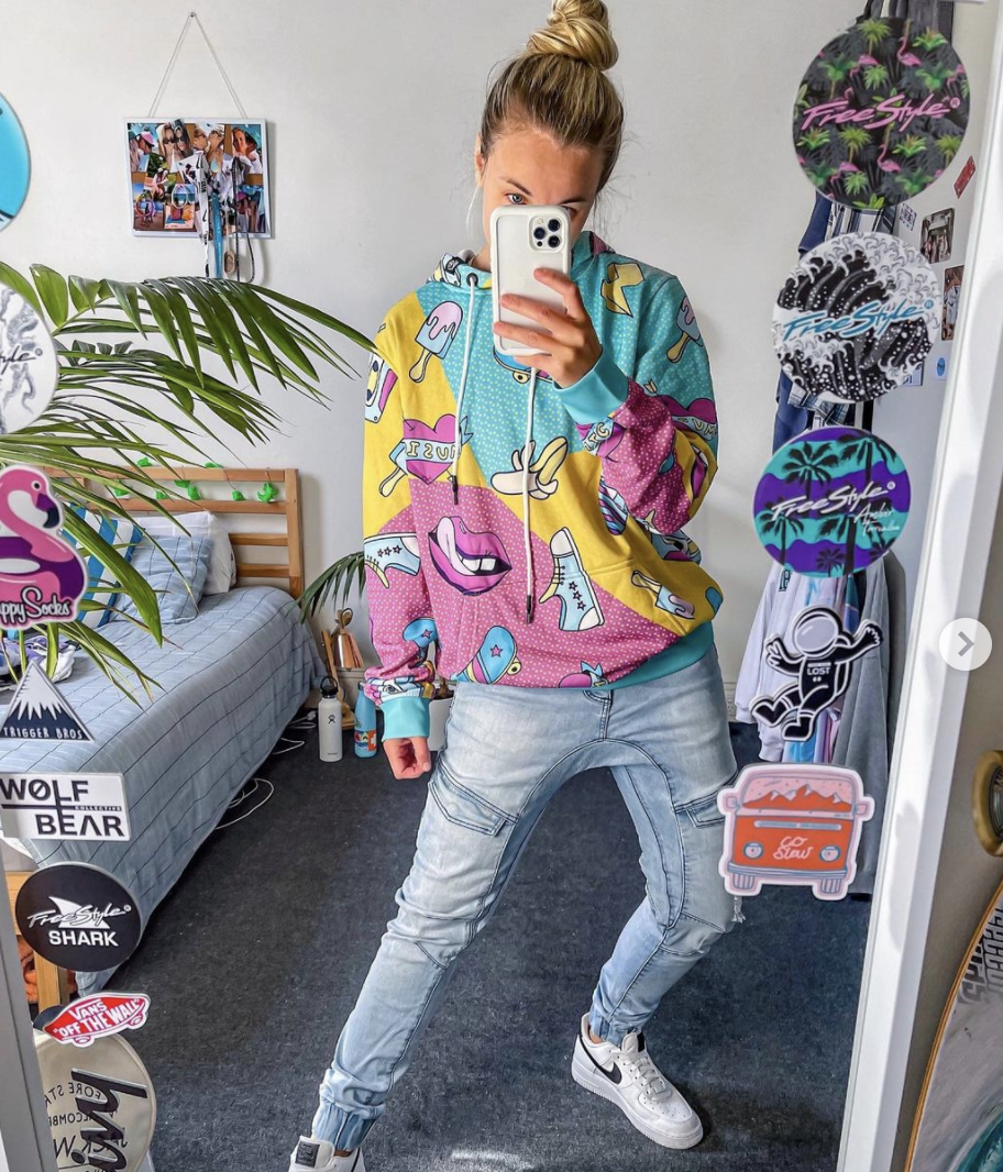 Danni Parr   Selfie in the Mirror   LGBTQ Influencer, Coach and Mentor