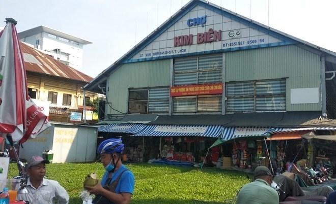 Mua sỉ phụ kiện điện thoại ở Chợ Kim Biên