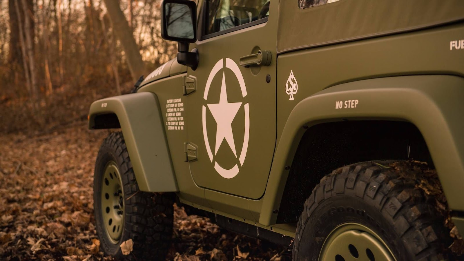 lettering on  Jeep Wrangler Willys' body
