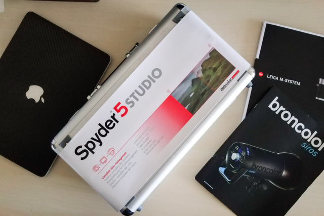 spyder-datacolor-spyder5-spyder5studio-spydercube-color-calibration-management-photography-slrlounge-kishore-sawh[1].jpg