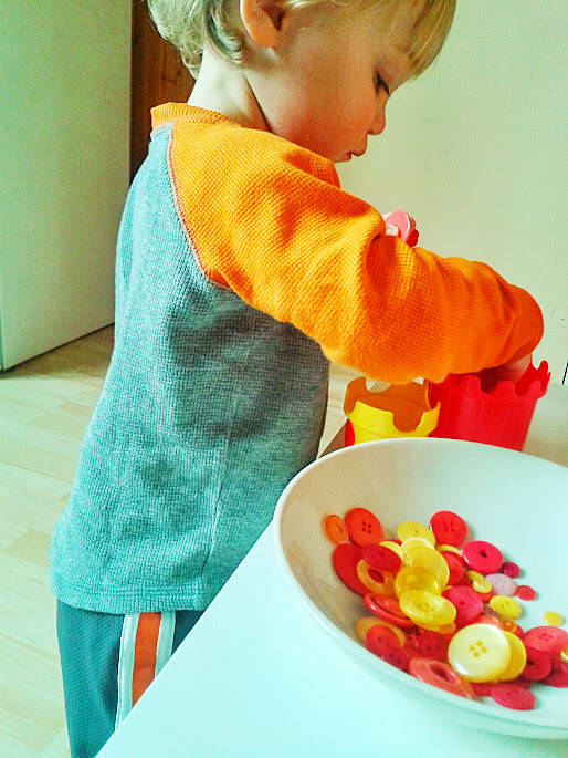 Welcome to Mommyhood: button sorting