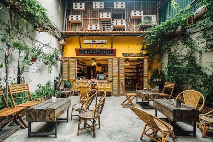Thiết kế quán cafe sân vườn theo phong cách Vintage