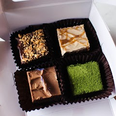 Flavours: Hazelnut, Salted Speculoos, Earl Grey, Matcha (Each brownie square is approx. 4cm, flavours are not customisable)
