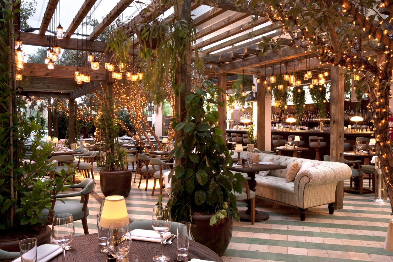 Thiết kế nhà hàng lẩu nướng phong cách sân vườn