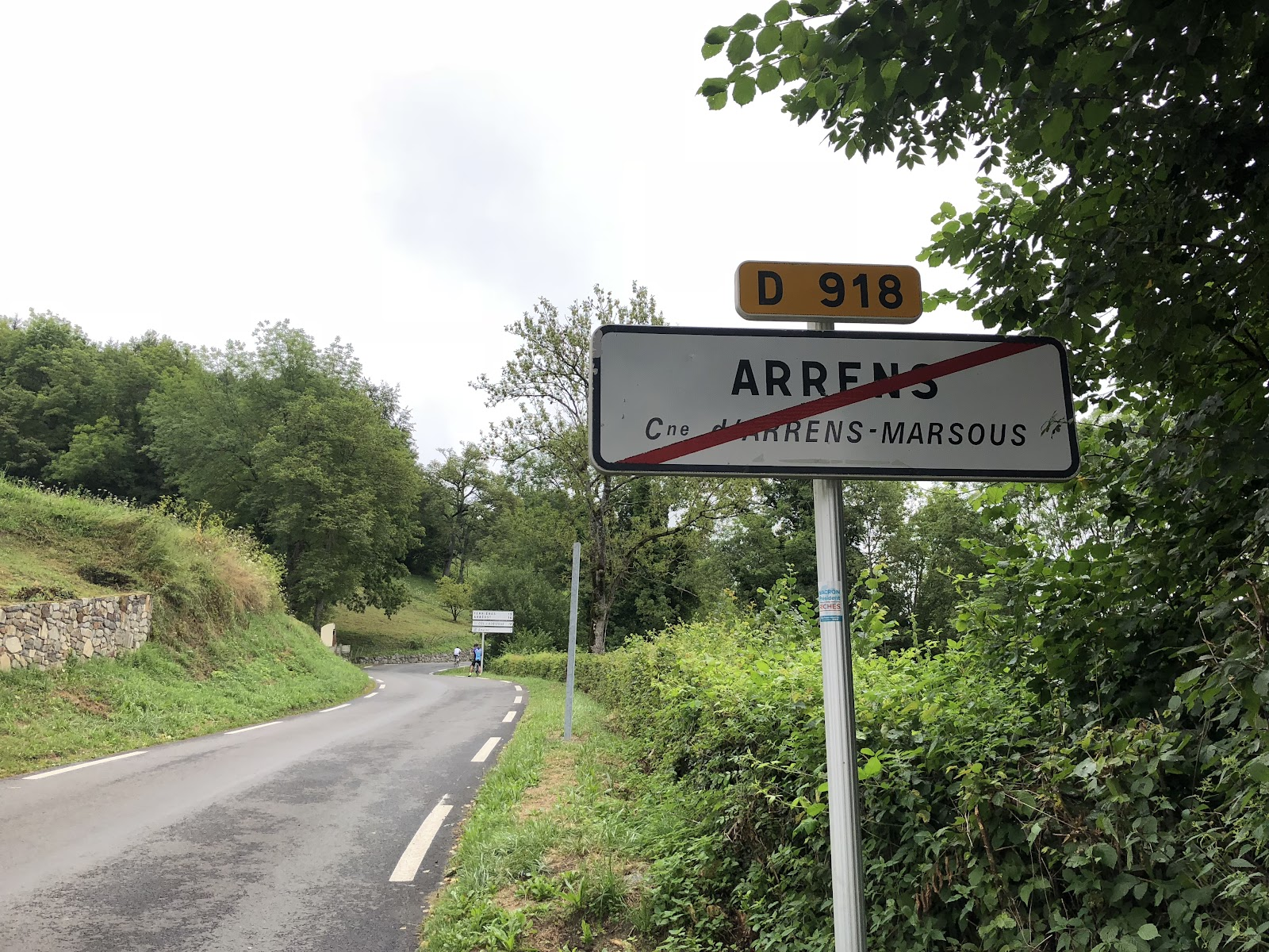 Bike climb Col d'Aubisque  from Argeles Gazost - leaving Arrens road sign