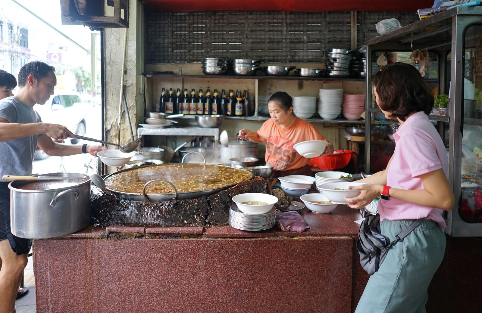 Wattana Panich's Beef Noodle Soup | Thailand Insider