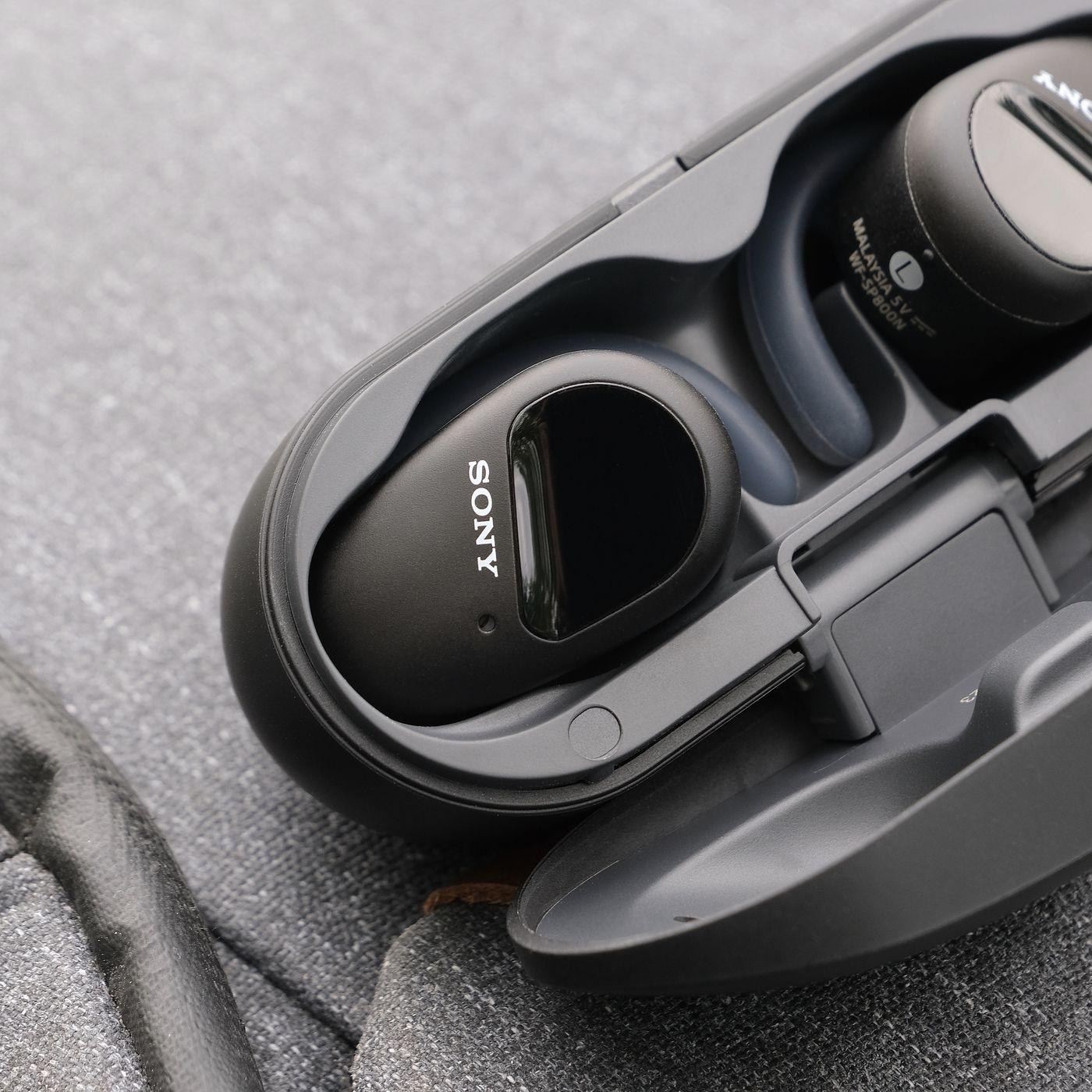 Sony WF-SP800N review: noise-canceling earbuds for the fitness crowd - The  Verge