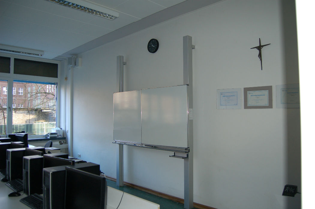 DSC_0110 aula crucifijo.JPG