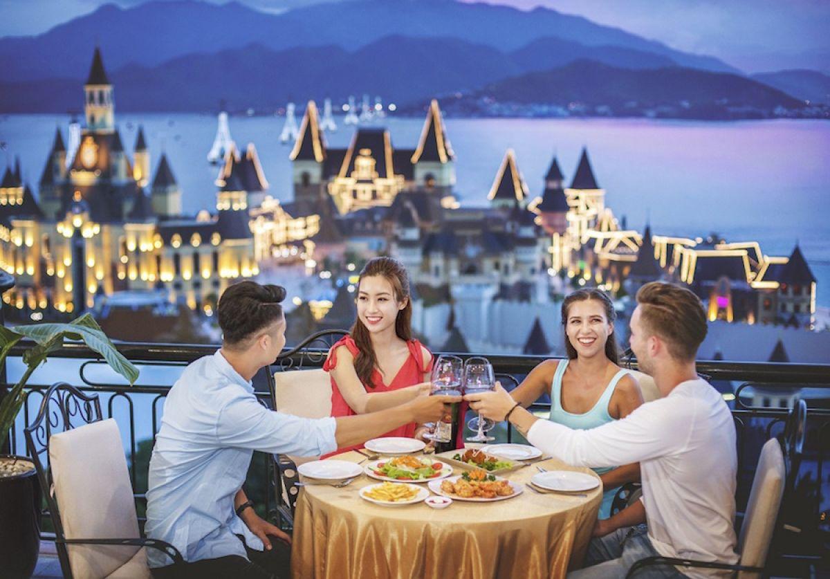 Vinpearl-Land-Nha-Trang-restaurant