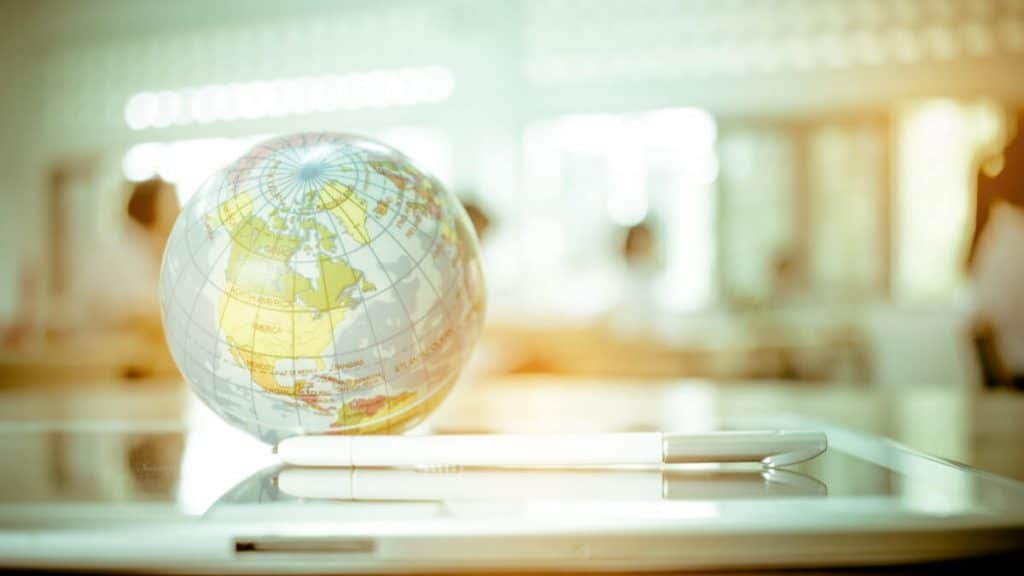 How to sell internationally online effectively